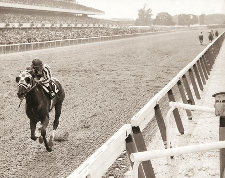 Secretariat racing at Belmont stakes